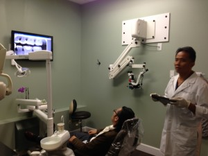 清水藤太先生のオフィスにて歯内治療見学